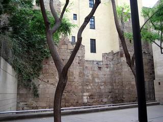 Imagen de Muralla Romana. barcelona wall roman catalonia catalunya muralla romana païsoscatalans principatdecatalunya principadodecataluña paisescatalanes cataloniancountries
