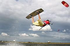 sport kite(0.0), toy(0.0), individual sports(1.0), sports(1.0), windsports(1.0), wind(1.0), extreme sport(1.0), kitesurfing(1.0),