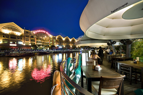 Under My Umbrella :: Clarke Quay