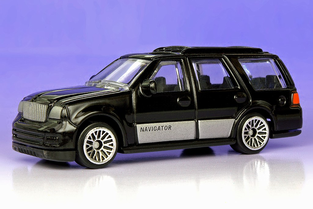 Diecast Toyota 4runner >> Suntoys Express Wheels Lincoln Navigator - a photo on Flickriver