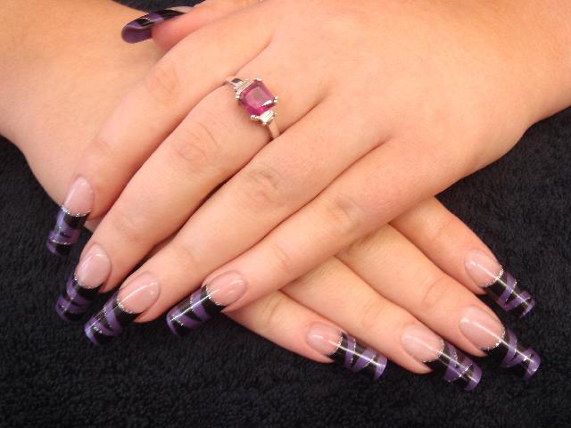 Deep Purple Tiger Stripes 3 | With these nails we have ...
