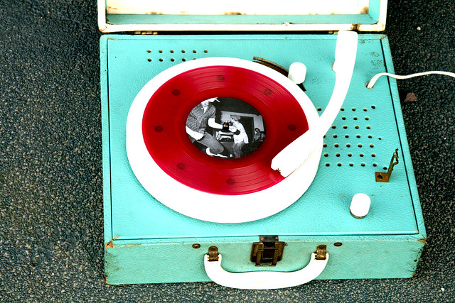 Portable Lionel Electric Phonograph - Record Player