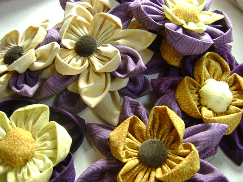 Some Art Talk: Fabric Flowers For Mother's Day