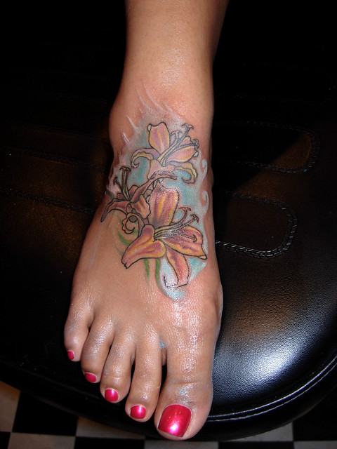 Joey Rossi :: Flower Foot Tattoo