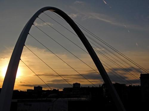bridge sunset silhouette canon newcastle millenium tyne gateshead ixus 95 upon