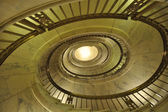 the spiral staircase definition meaning