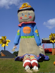 agriculture(0.0), play(0.0), inflatable(0.0), toy(0.0), scarecrow(1.0),