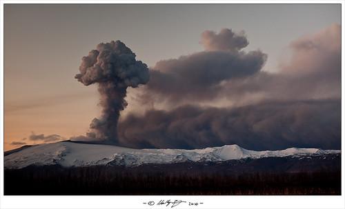 Eyjafjallajökull Eruption - Explosions