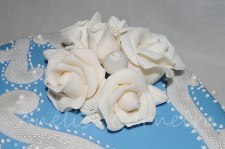Bolo pérolas e rosas - detalhe das rosas