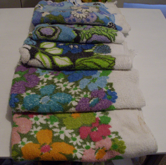 Reproduction Vintage Bath Towels: Vintage Floral Bath Towels
