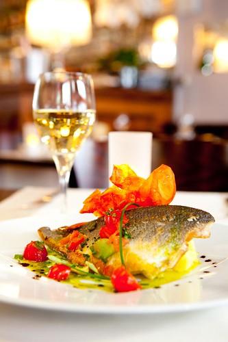 La Table Des Oliviers Restaurant 4 Rue De L 39 Glise Neuilly Le De France France