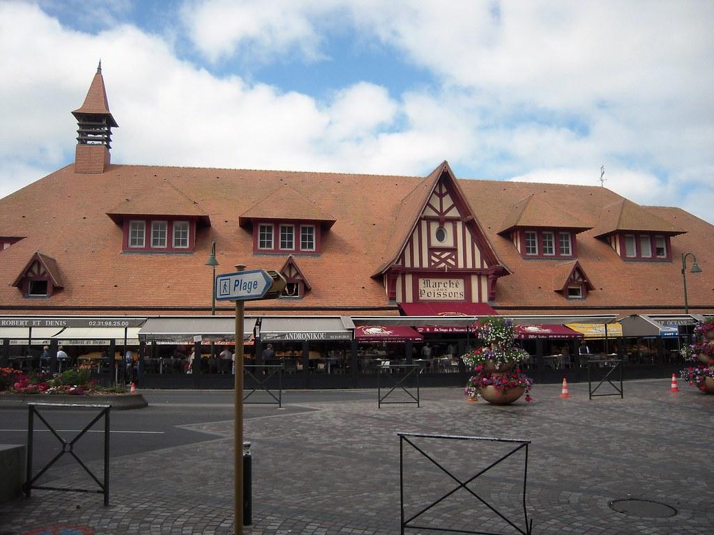 Cafe De Paris Villers