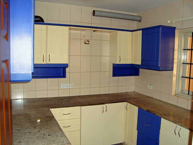 Modular Kitchen With Chimney Exhaust Pipe At Top Flickr
