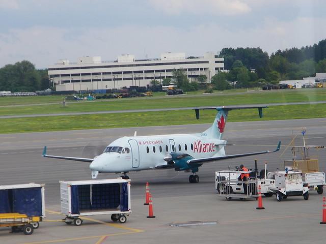 york albany airport