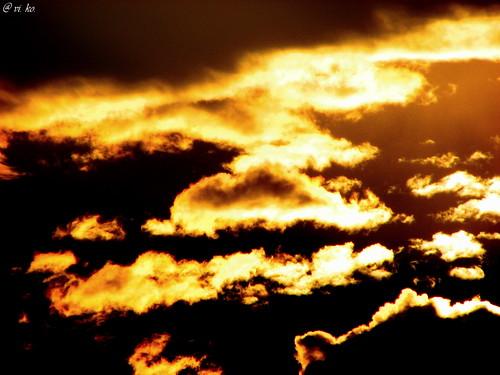 morning roof sky cloud india clouds sunrise gold golden top maharashtra pune beforesunrise beforemorning