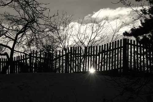 winter sunset bw beautiful fence garden evening nikon sunday slovensko slovakia behind d40 sundaysunset banskáštiavnica ragbass