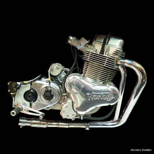 no 86 norton commando 961 cafe racer engine a photo. Black Bedroom Furniture Sets. Home Design Ideas