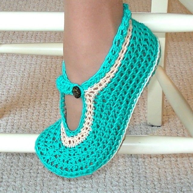 Free Crochet Pattern Easy Slippers : Mary Janes slippers Crochet Pattern Flickr - Photo Sharing!