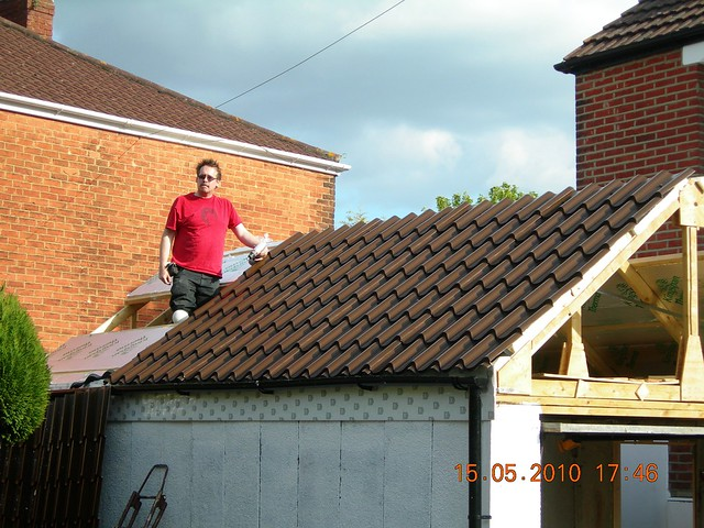 Fitting Kingspan Insulation And Cladco Ljt Tile Effect
