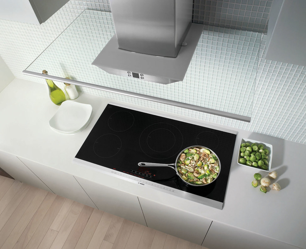 Bosch Induction AutoChef Cooktop