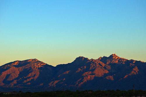 mountains sunrise landscape nikon tucson hdr catalinamountains d90 tucsonsunset nikond90club tucsoncatalinas tucsoncatalinamountains
