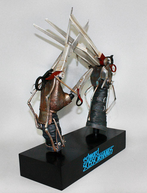 Hollywood Collectibles Group【愛德華剪刀手】1:1 比例電影道具複製品