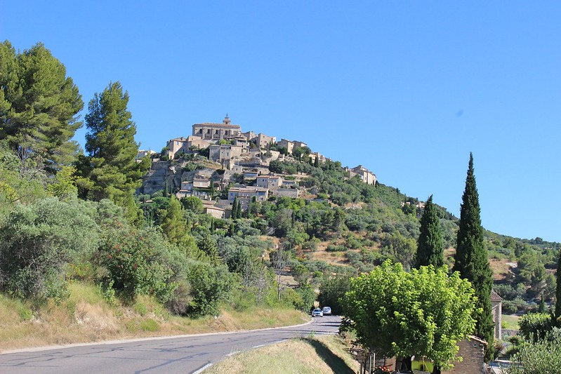 Gordes from the road