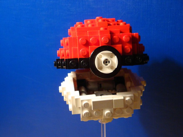 how to make lego pokeball