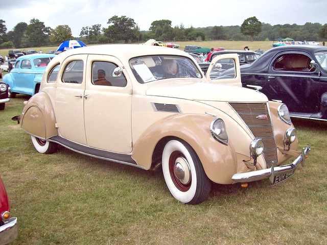 246 Lincoln Zephyr 4 door