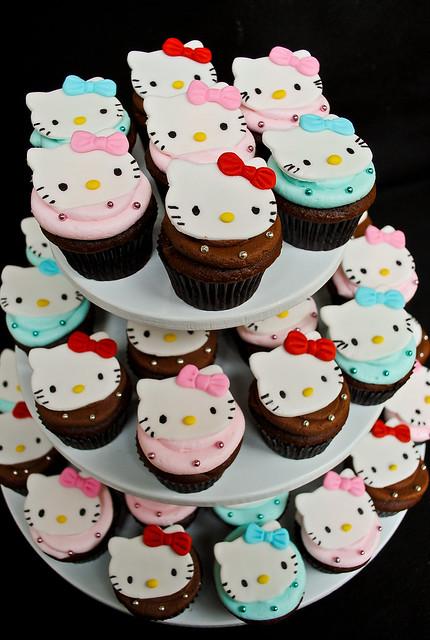 Hello kitty cupcake tower explore casa de cupcake 39 s - Casa hello kitty ...