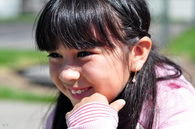 Daniela en el parque 5: ¿Riendo? | Flickr - Photo Sharing!