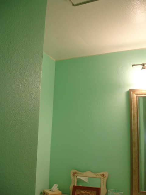 Before Bathroom Without Crown Molding Flickr Photo Sharing