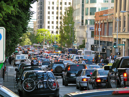 traffic in downtown Seattle (by: Oran Viriyincy, creative commons)