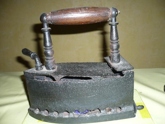 Pourquoi le fer repasser a t il volu yahoo questions r ponses - Evolution du fer a repasser ...