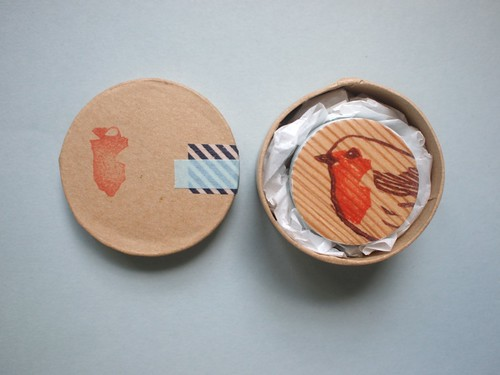 red robin // handprinted wooden brooch