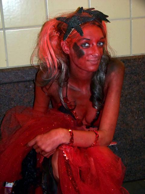 44-Mermaid Parade 2010