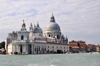 http://hojeconhecemos.blogspot.com.es/2012/09/do-punta-della-dogana-veneza-italia.html
