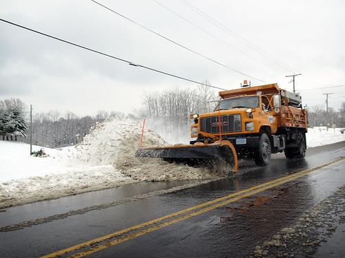road copyright snow truck virginia allrightsreserved snowplow blacksburg vdot virginiadepartmentoftransportation zuikodigital1454mk1 ©daveelmore