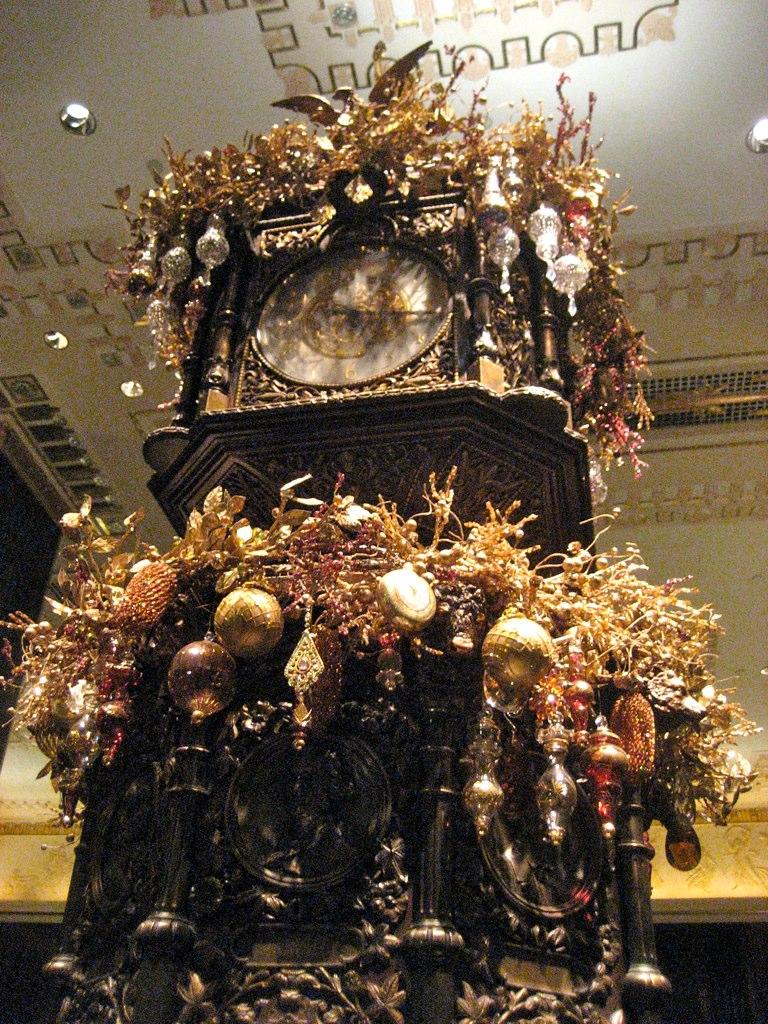 Waldorf - Astoria Clock