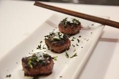 Mini Haburguesas de Waygu con Salsa Teriyaki y Algas