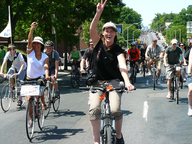 Sat, 05/29/2010 - 15:28 - bells on bloor, bike month, 2010, bloor, bike lanes, activism,