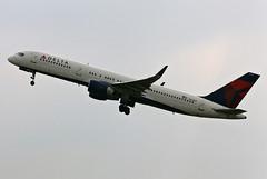 Boeing 757-251, Delta Air Lines, Manchester - Int. (Ringway) (MAN / EGCC) 13.10.10