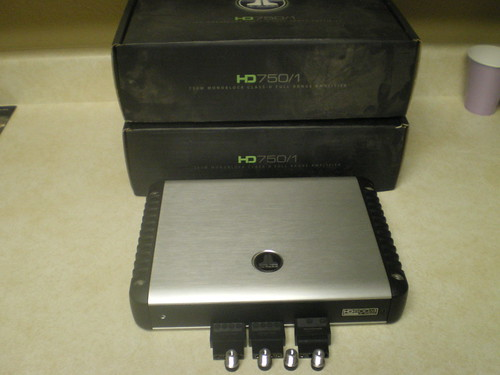 Like New Jl Audio Hd Amps  Hd750  1 X2  U0026 600  4x1
