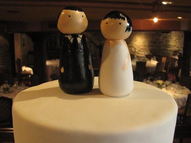 Gumpaste Bride And Groom Cake Toppers