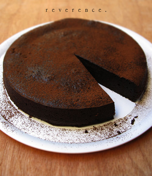 no special effects river cafe 39 s chocolate almond cake. Black Bedroom Furniture Sets. Home Design Ideas