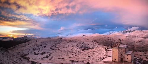 sunset italy colors italia abruzzo roccacalascio bellabruzzo