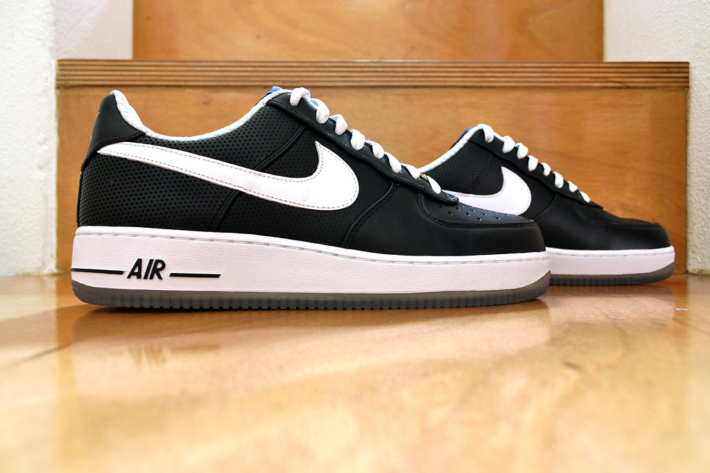 c05295d59 ... Nike Air Force 1 Low x Futura x NY Yankees Black White 001