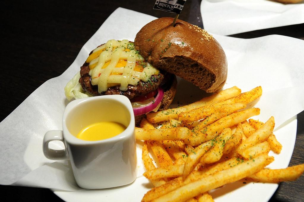 Brick's Burger