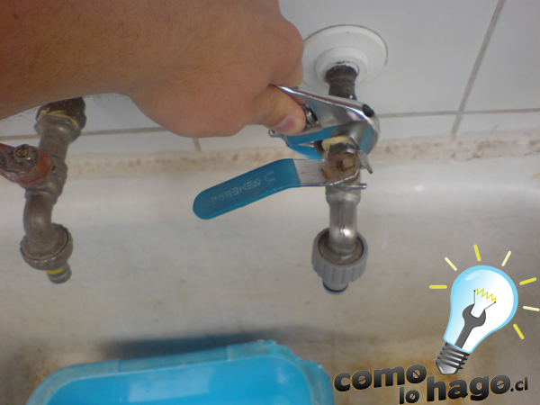 C mo cambiar una llave para el agua taringa for Como quitar las llaves dela regadera