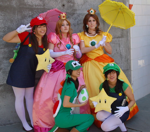FanimeCon2010: Mushroom Kingdom Gals